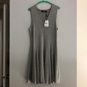 Gorgeous BNWT Magaschoni New York gray dress